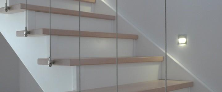 Gamma schody drewniane policzkowo – osiodłane klasyczne i nowoczesne