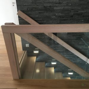 Stylowe schody półkowe dębowe