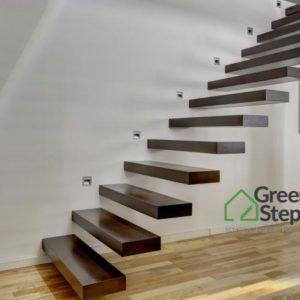 Stylowe schody półkowe