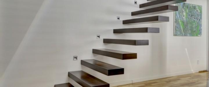 Paryż półkowe – nowoczesne schody wystające ze ściany