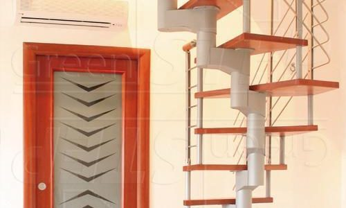 Beta  – Schody modułowe konstrukcja stalowa ze stopnicami drewnianymi
